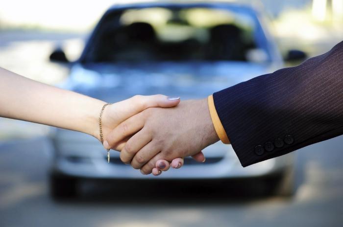 Договор безвозмездного пользования автомобилем: как оформлять и зачем?
